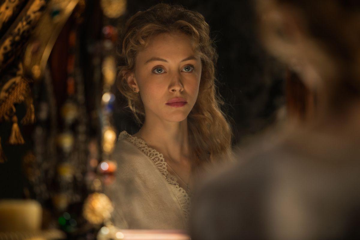 Sarah Gadon è Mirena in Dracula Untold