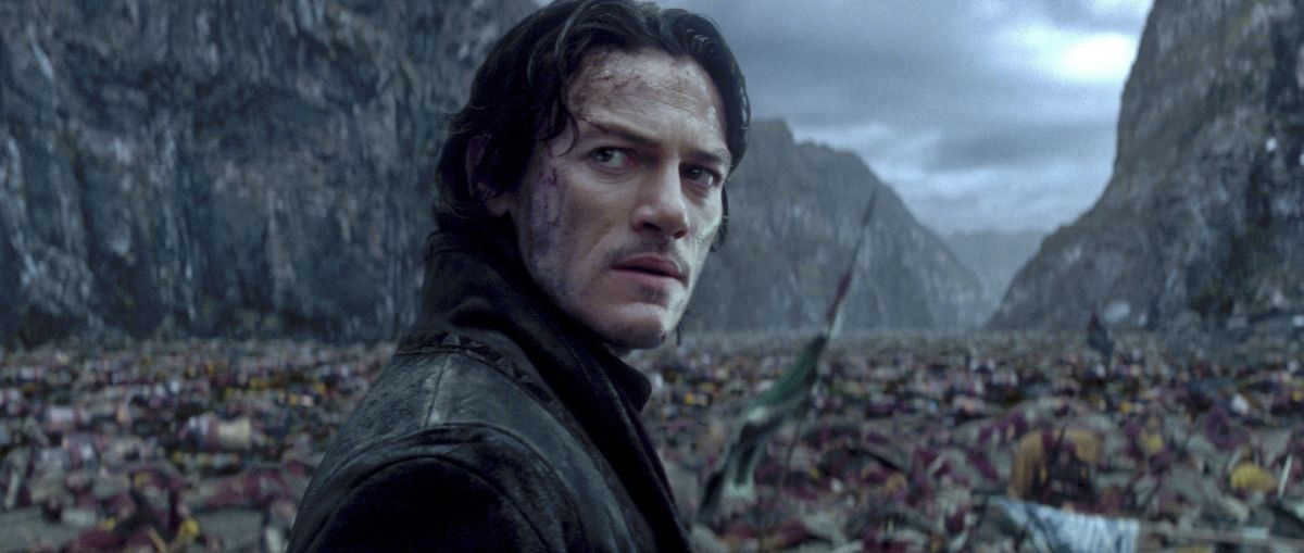 Dracula Untold: lo sguardo intenso di Luke Evans nei panni del Conte Vlad