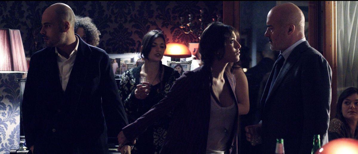 Perez.: Luca Zingaretti con Marco D'Amore e Simona Tabasco in una scena