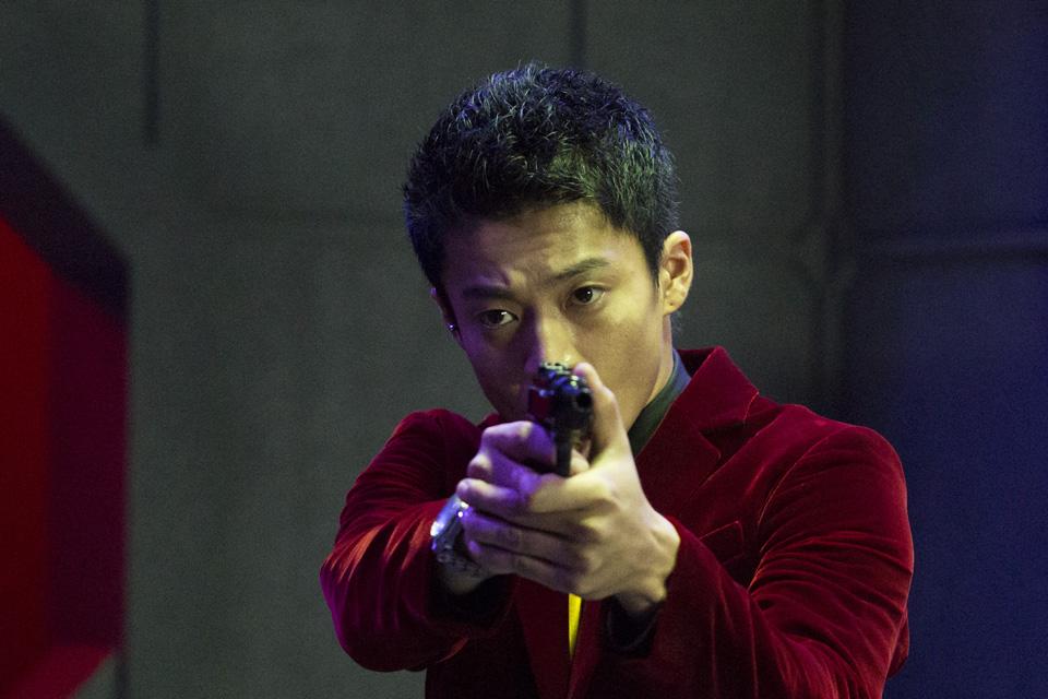 Lupin - Il Film: Oguri Shun nei panni di Arsenio Lupin in una scena del film