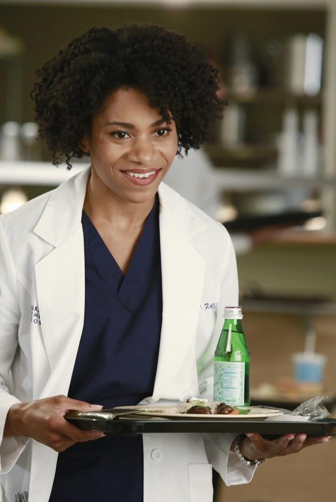 Grey's Anatomy: Kelly McCreary in una scena dell'episodio Puzzle With a Piece Missing
