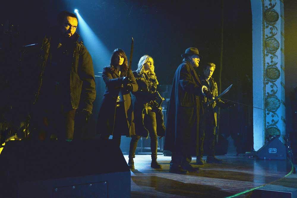 The Strain: il cast in una scena di The Master