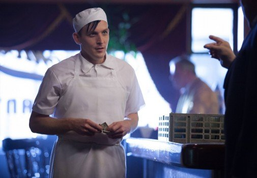 Gotham: Robin Lord Taylor nell'episodio The Balloonman