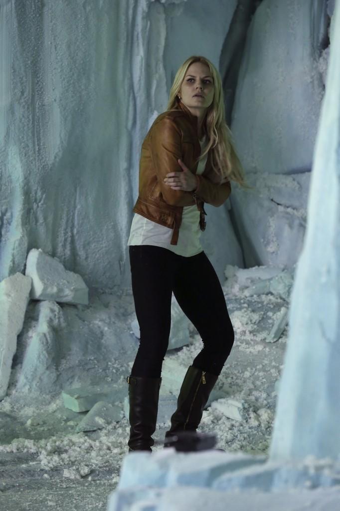 C'era una volta: Jennifer Morrison sul set di White Out