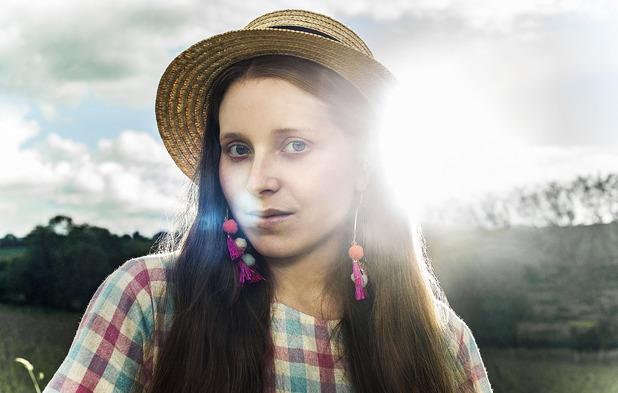 Glue: Jessie Cave in una foto promozionale