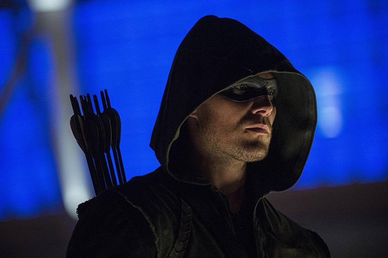 Arrow: Stephen Amell nella puntata intitolata The Calm