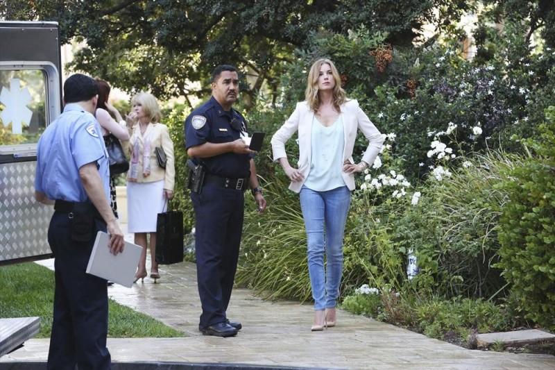 Revenge: l'attrice Emily VanCamp nell'episodio Disclosure