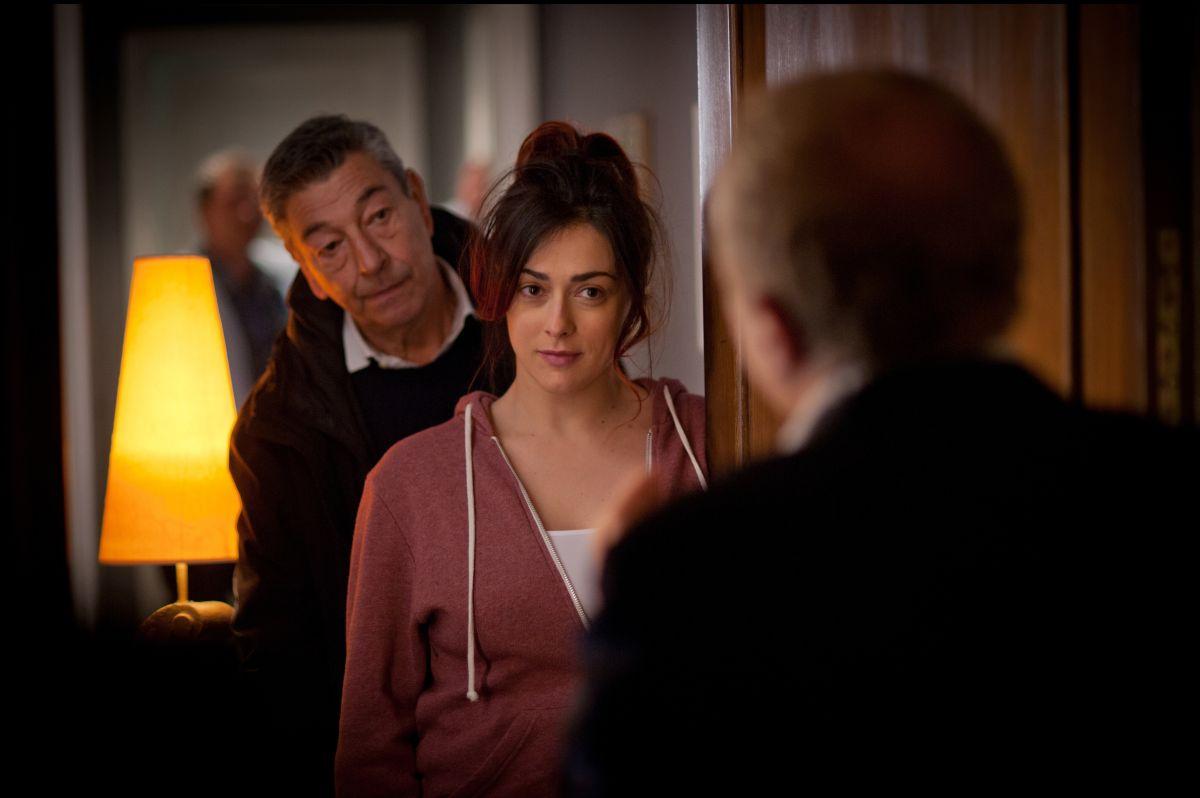 Buoni a nulla: Gianni di Gregorio con Marco Marzocca (di spalle) e Valentina Lodovini in una scena del film