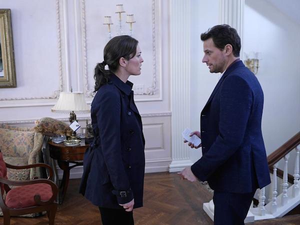 Forever: Alana De La Garz e Ioan Gruffud in una scena di The Art of Murder