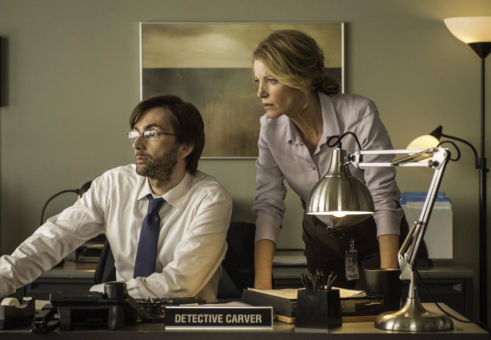 Gracepoint: David Tennant e Anna Gunn nella seconda puntata della serie