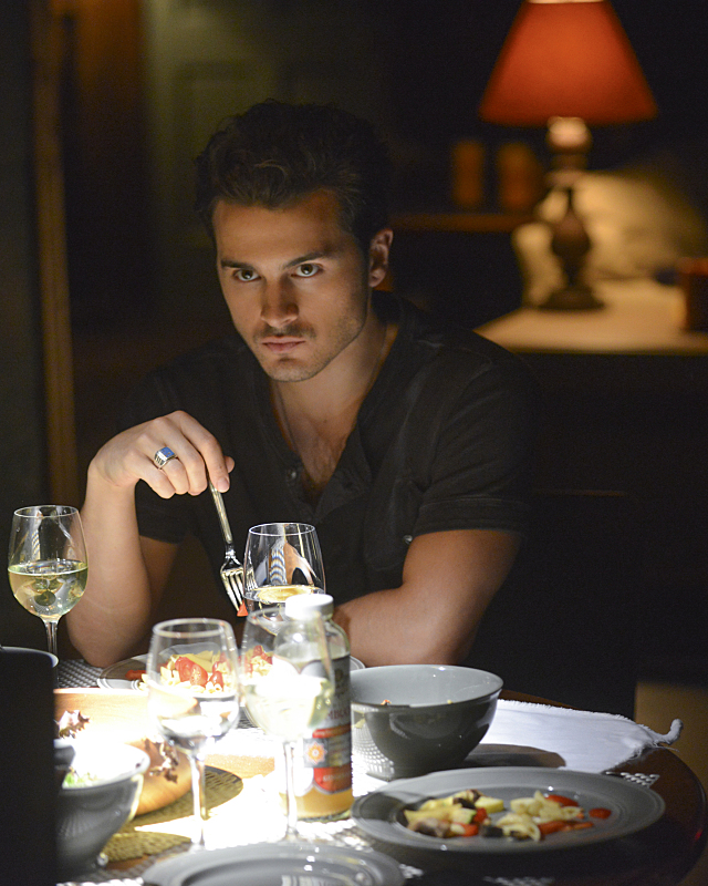 The Vampire Diaries: l'attore Michael Malarkey in una scena di Yellow Ledbetter