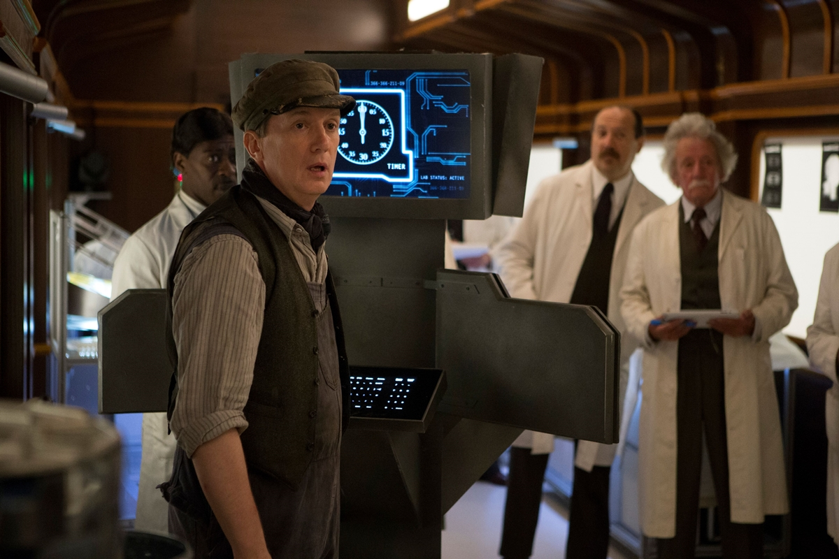 Doctor Who: Frank Skinner in una scena di Mummy On The Orient Express