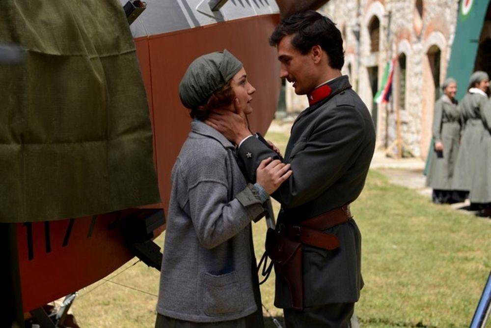 Fango e Gloria: Eugenio Franceschini con Valentina Corti in una scena