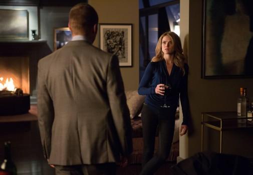 Gotham: l'attrice Erin Richards e Ben McKenzie in Arkham