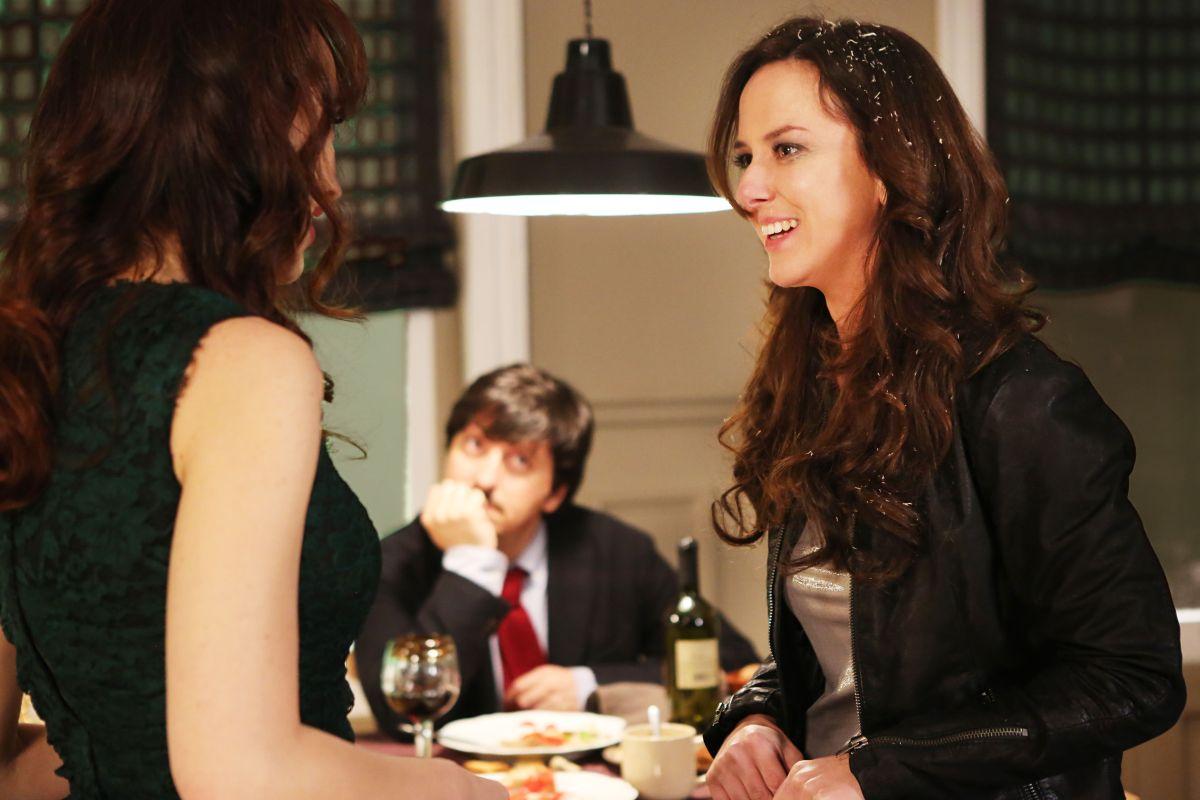 Soap Opera: Caterina Guzzanti con Ricky Memphis in una scena del film