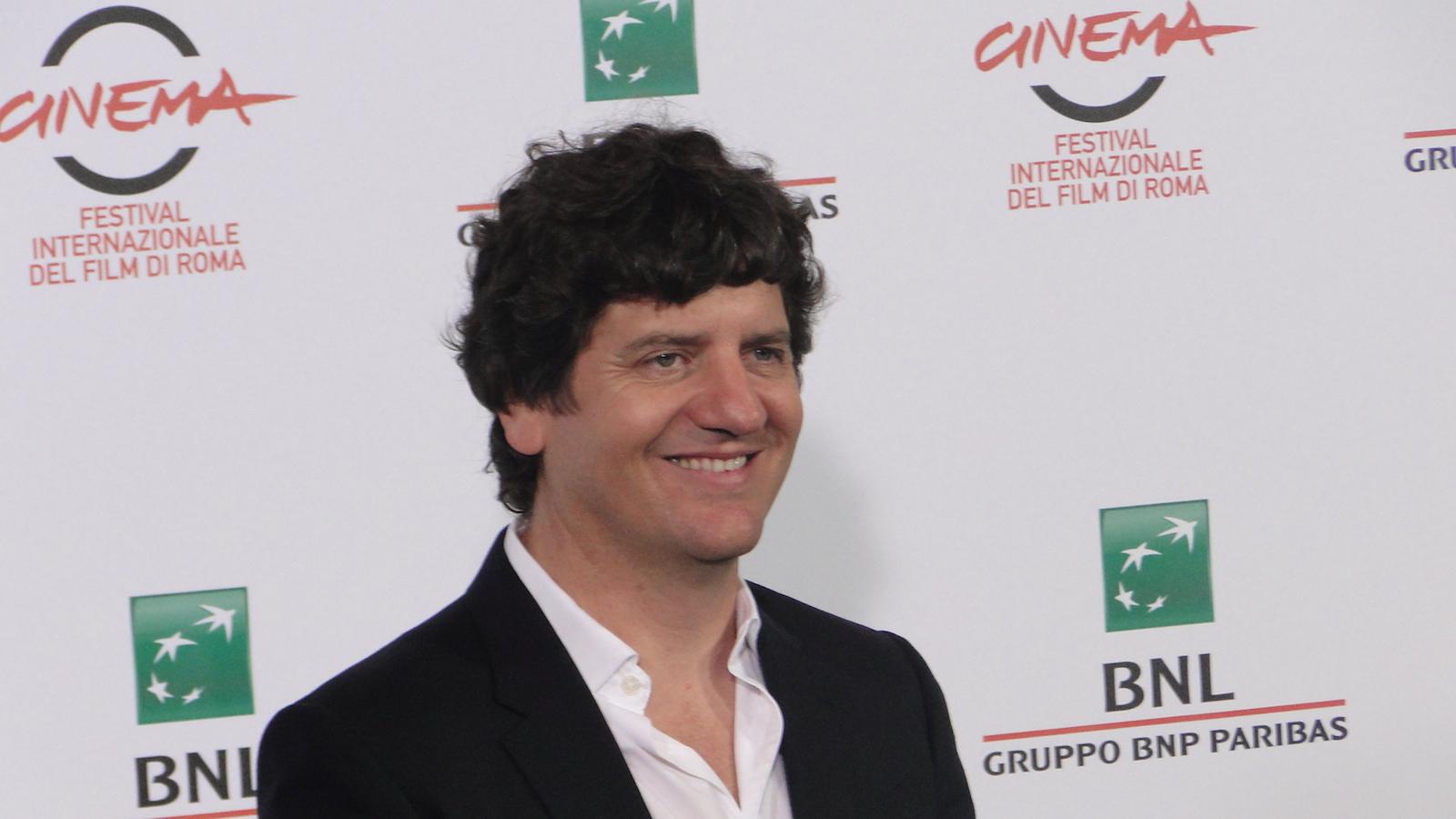 Soap Opera: un sorridente Fabio De Luigi al photocall di Roma 2014