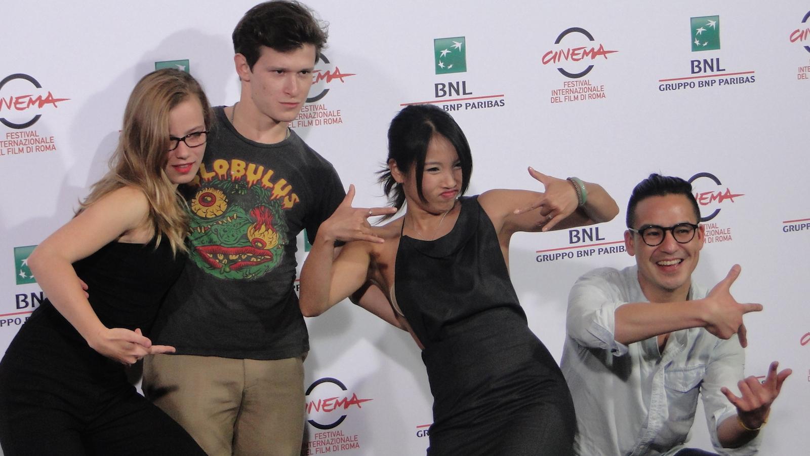 Roma 2014: il cast scherza al photocall di We are Young. We are Strong