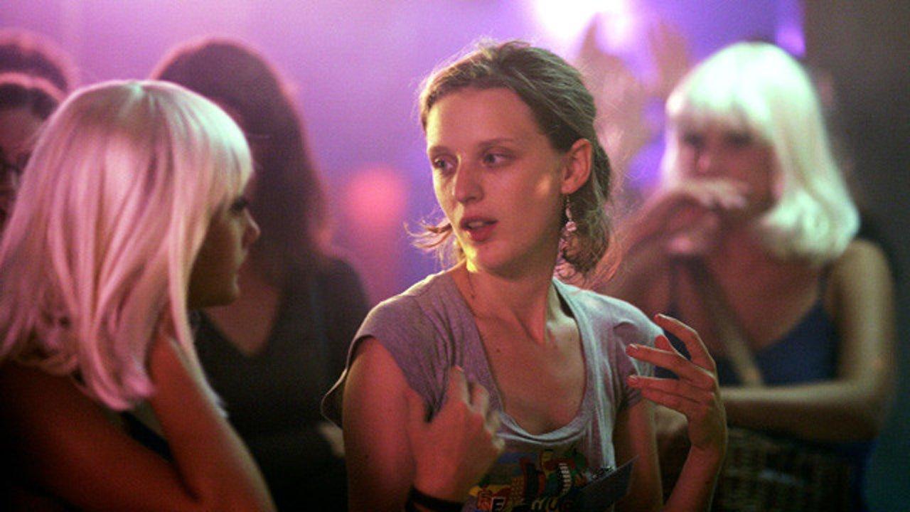 Eden: la regista del film Mia Hansen-Løve sul set