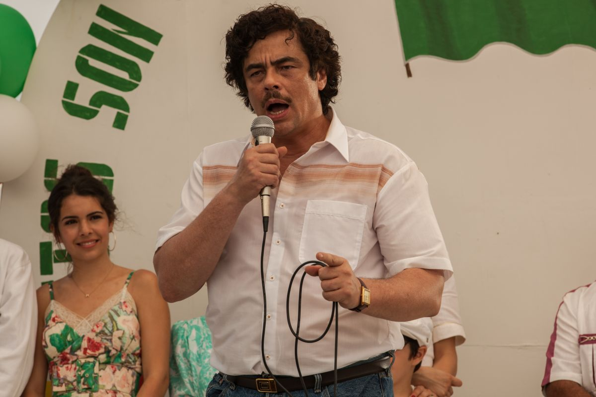 Escobar: Paradise Lost, Benicio Del Toro in una scena