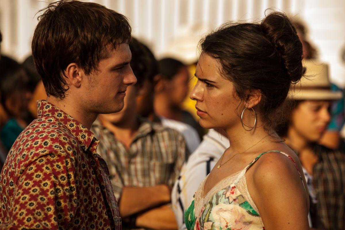 Josh Hutcherson e Claudia Traisac in Escobar: Paradise Lost