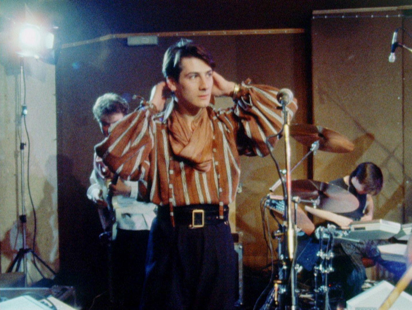 SPANDAU BALLET - Il Film - Soul Boys of the Western World: Tony Hadley mette in mostra tutto il suo fascino in un'immagine del film