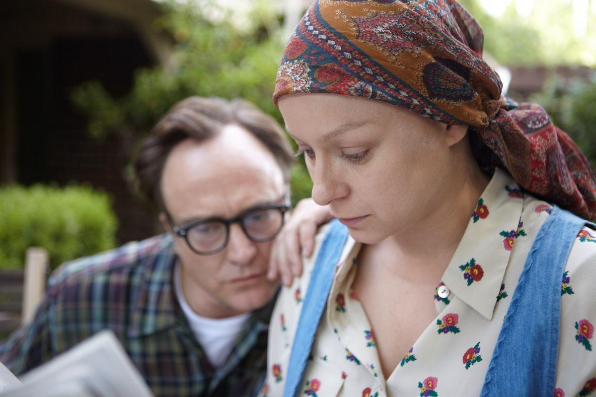 Annie Parker: Samantha Morton con  Bradley Whitford in una scena del film
