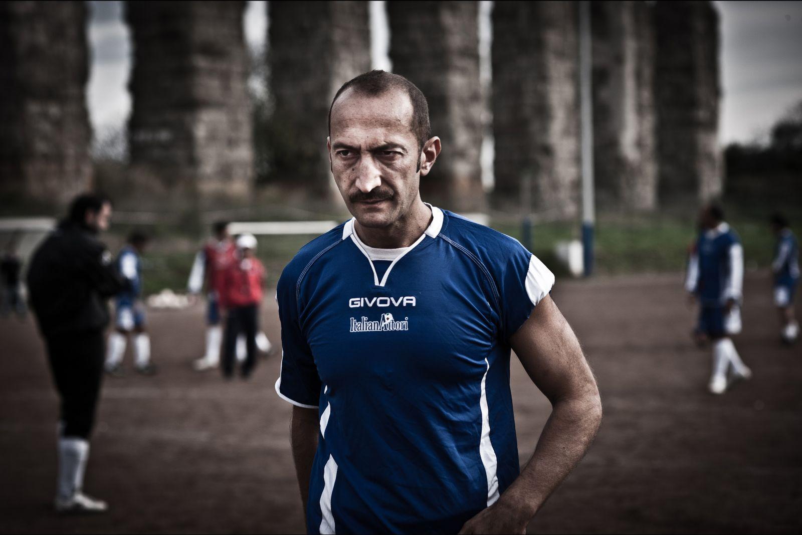 Tre tocchi: Vincenzo De Michele in una scena del film di Marco Risi