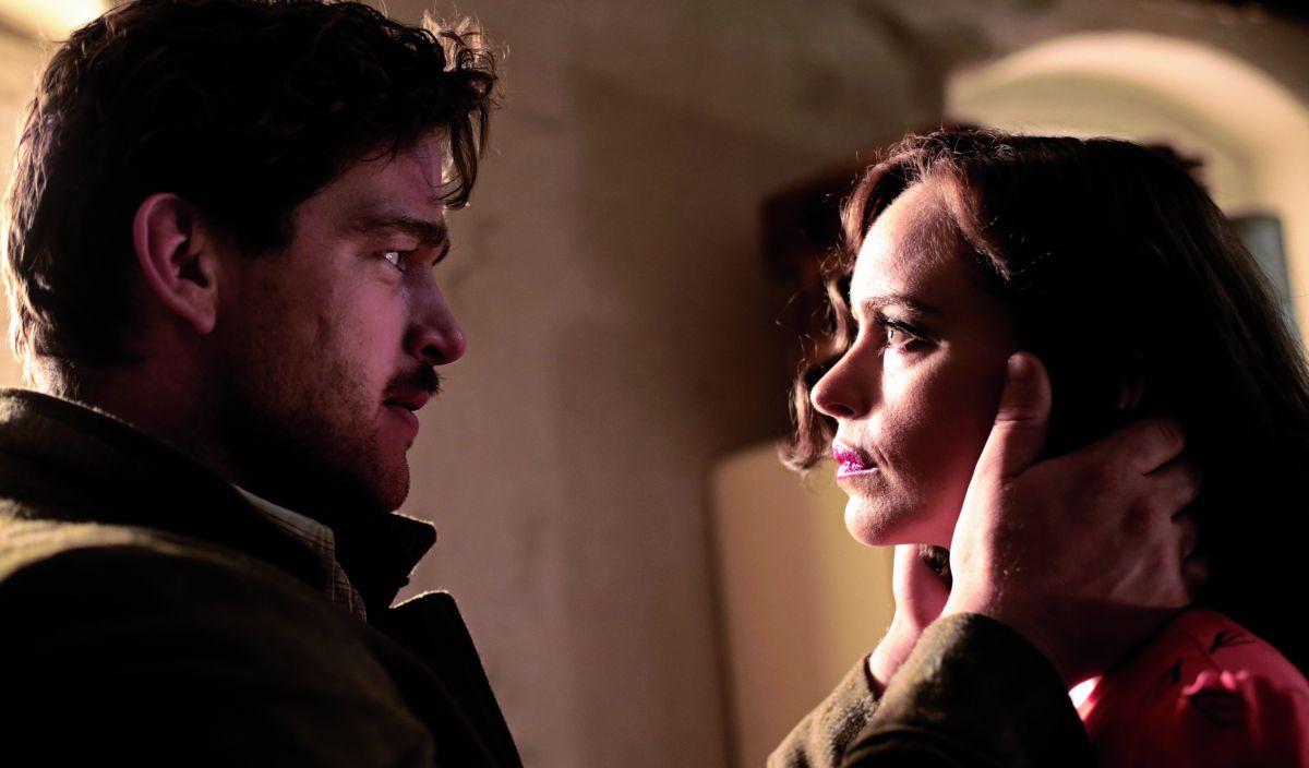 Phoenix: Nina Hoss insieme a Ronald Zehrfeld in una scena del film