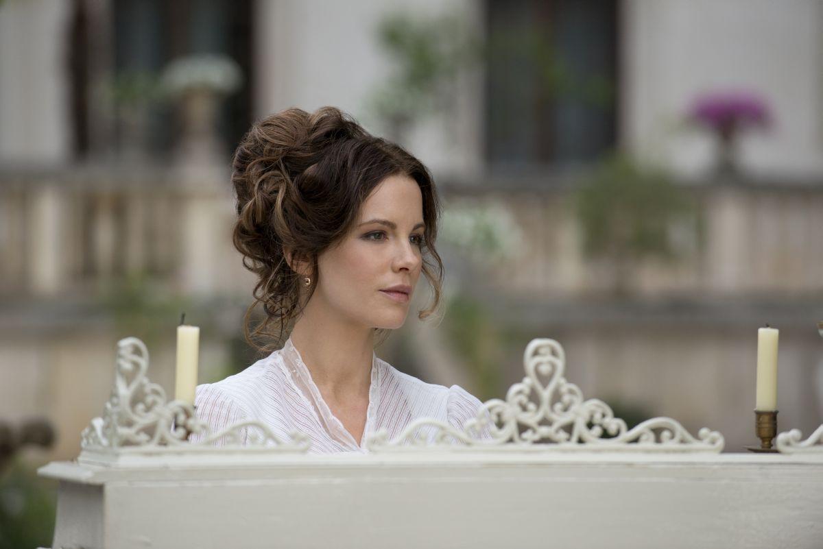 Stonehearst Asylum: Kate Beckinsale in una scena
