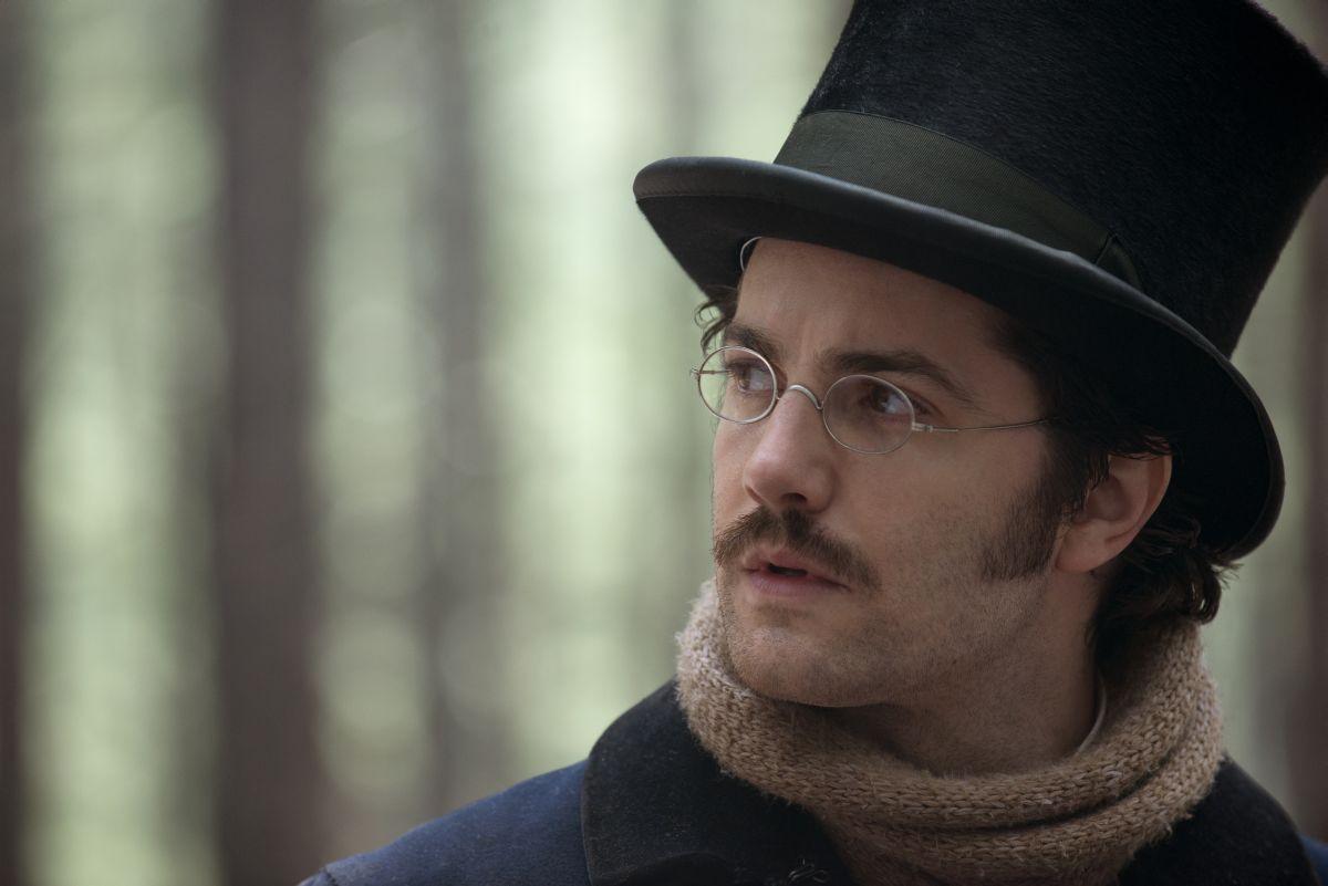 Stonehearst Asylum: Jim Sturgess nel ruolo di Edward Newgate in una scena del film