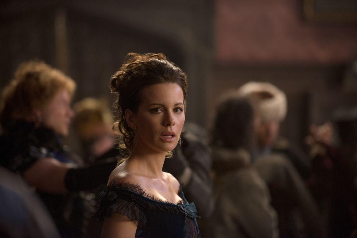 Stonehearst Asylum: Kate Beckinsale nel ruolo di Eliza Graves in una scena del film