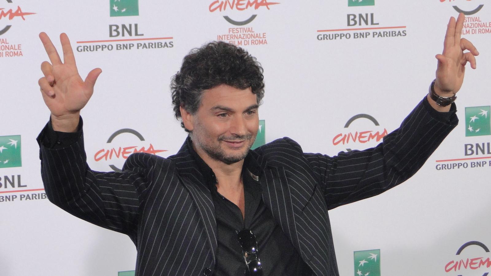 Tre tocchi: Gianfranco Gallo posa al photocall di Roma 2014