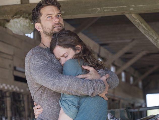 The Affair: Ruth Wilson e Joshua Jackson in una scene dell'episodio 2