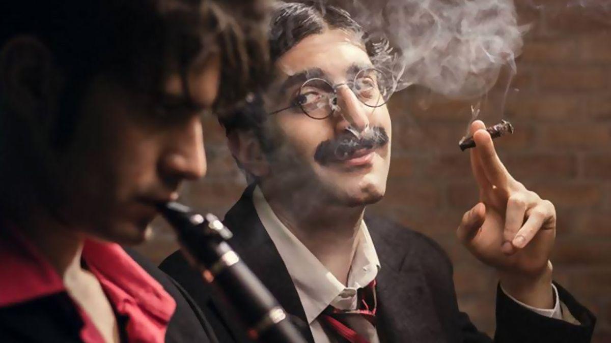 Vittima degli eventi: Valerio Di Benedetto e Luca Vecchi in una scena