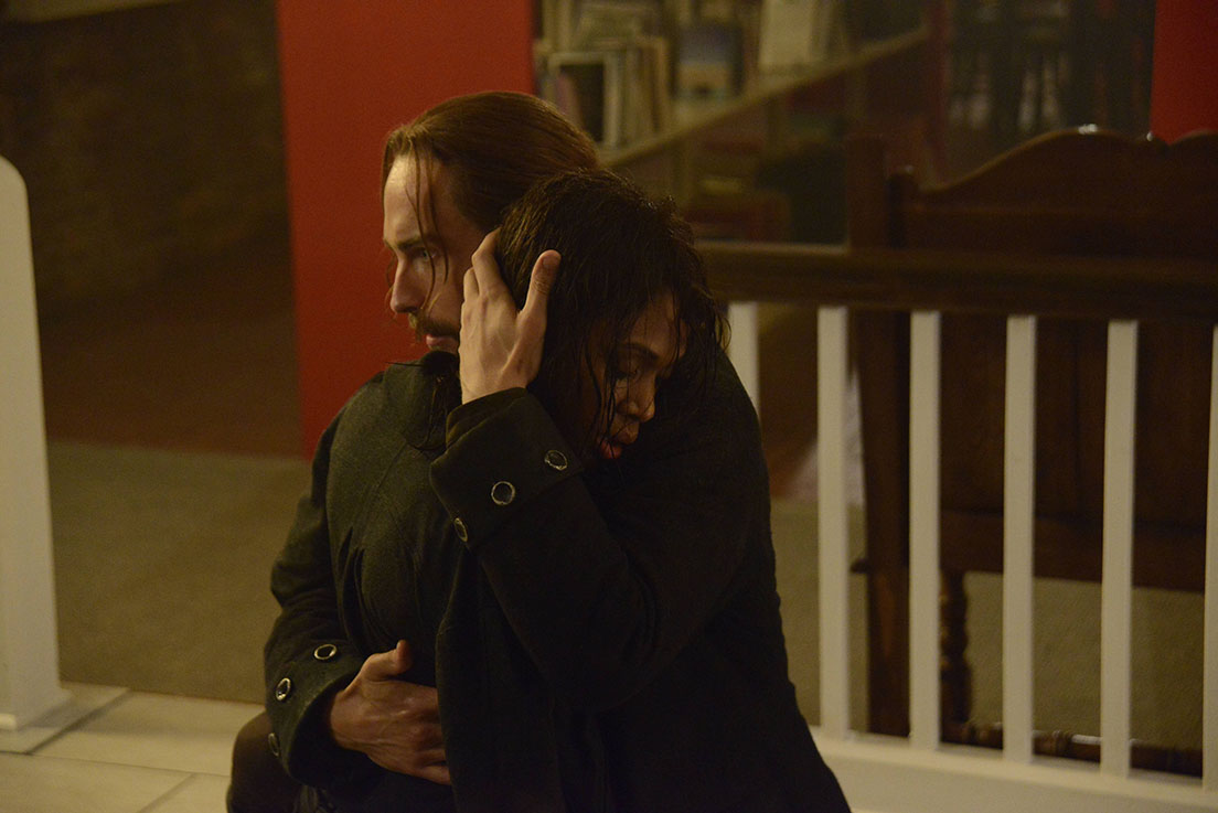 Sleepy Hollow: i protagonisti Tom Mison e Nicole Beharie in The Weeping Lady