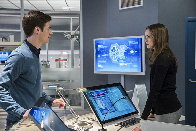 The Flash: Grant Gustin e Danielle Panabaker nella puntata intitolata The Things You Can't Outrun
