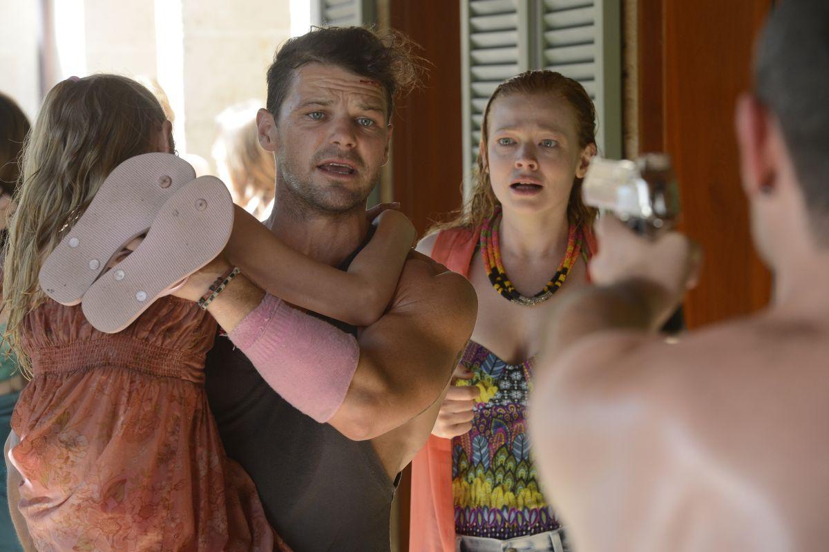 These Final Hours - 12 ore alla fine: Nathan Phillips con Angourie Rice e Sarah Snook in una drammatica scena