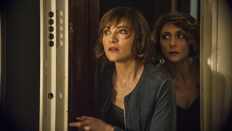 Confusi e felici: Anna Foglietta e Paola Minaccioni, nei panni di Silvia e Vitaliana, in una scena del film