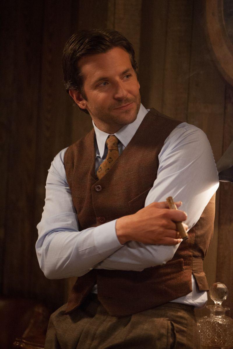 Una folle passione: Bradley Cooper in una scena nei panni dell'imprenditore George Pemberton