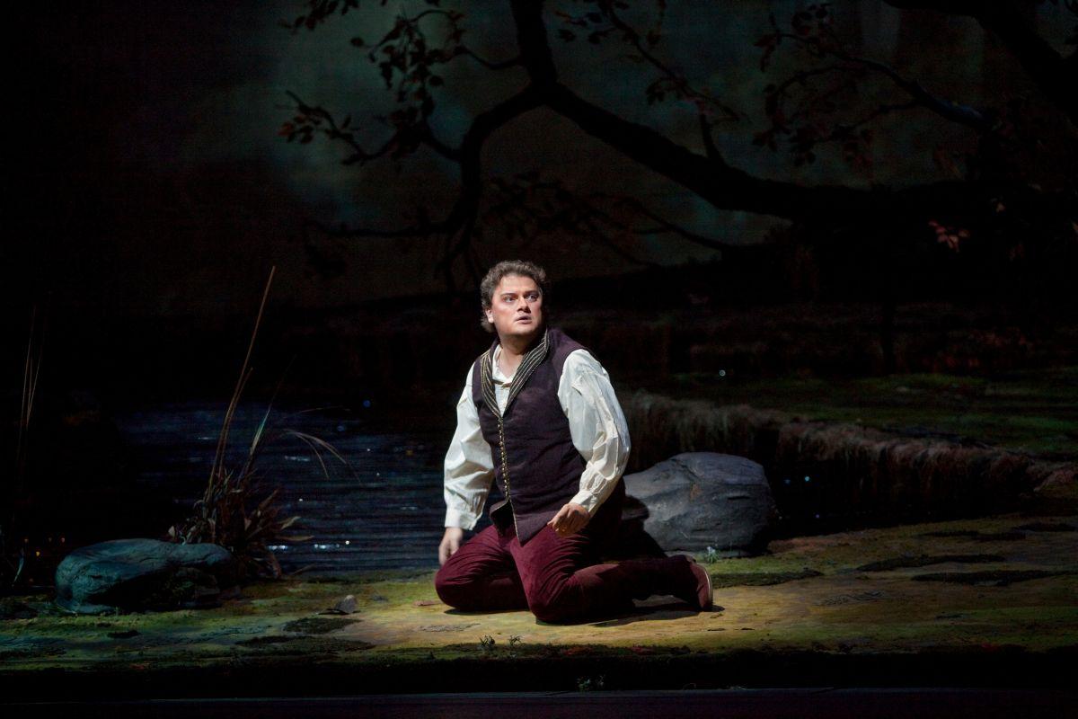 Carmen: Aleksandrs Antonenko sul palco del Metropolitan Opera di New York nei panni di Don José