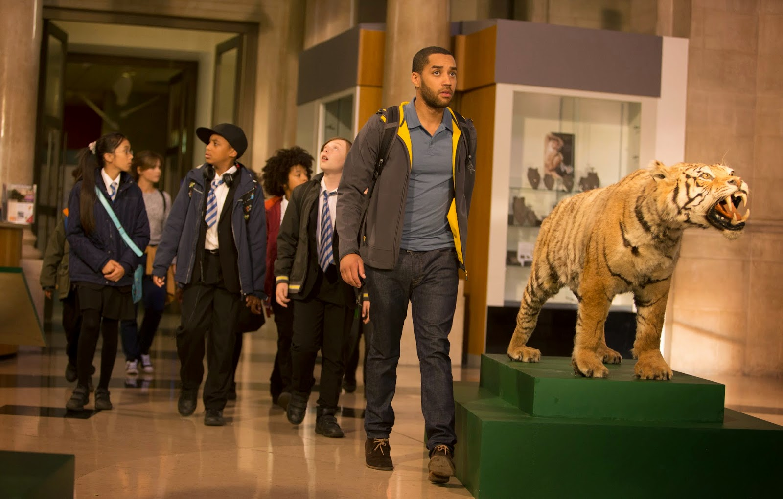 Doctor Who: Samuel Anderson in una scena dell'episodio In The Forest Of The Night