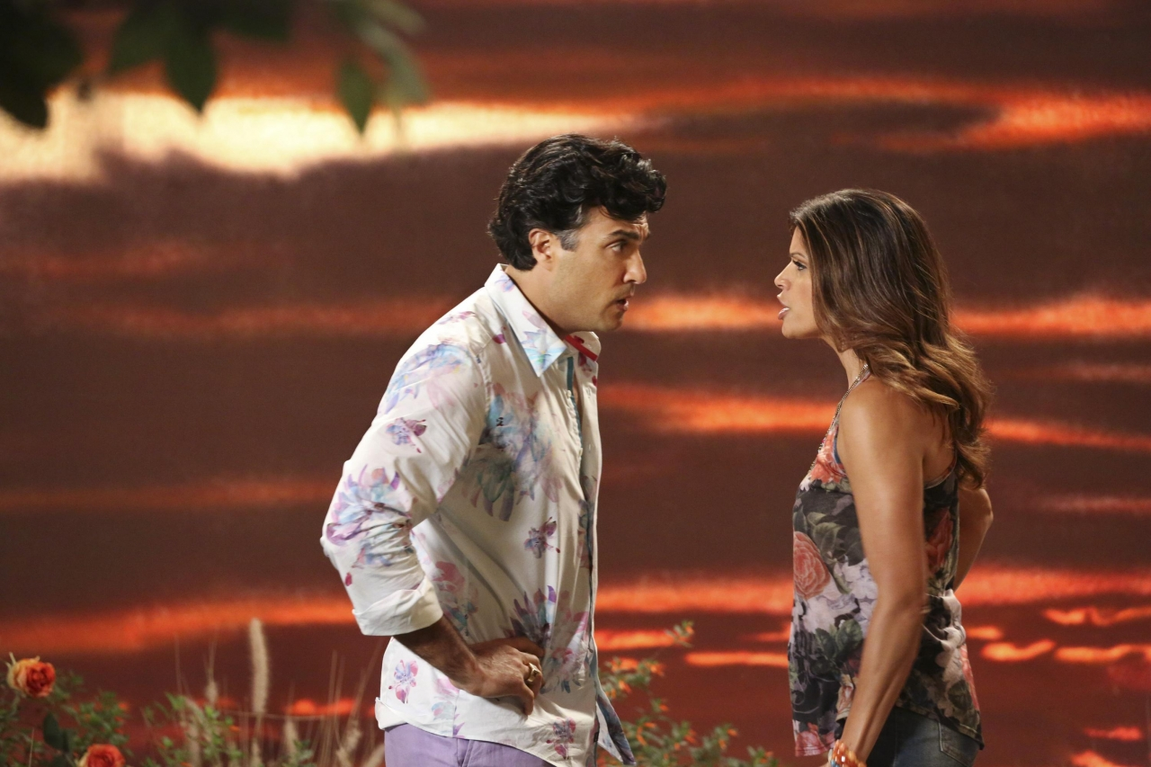 Jane The Virgin: Jaime Camil e Andrea Navedo in Chapter Two