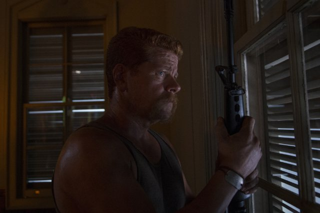 The Walking Dead: Michael Cudlitz è Abraham Ford nell'episodio Un tetto e quattro mura