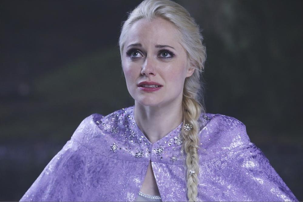 C'era una volta: Georgina Haig interpreta Elsa nell'episodio Breaking Glass