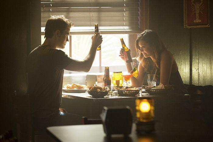 The Vampire Diaries: Paul Wesley e Nina Dobrev nella puntata Black Hole Sun