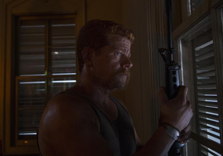 The Walking Dead: Michael Cudlitz nella puntata Un tetto e quattro mura