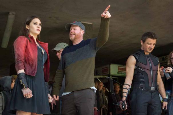 Avengers: Age of Ultron - Joss Whedon spiega una scena a Elizabeth Olsen e Jeremy Renner