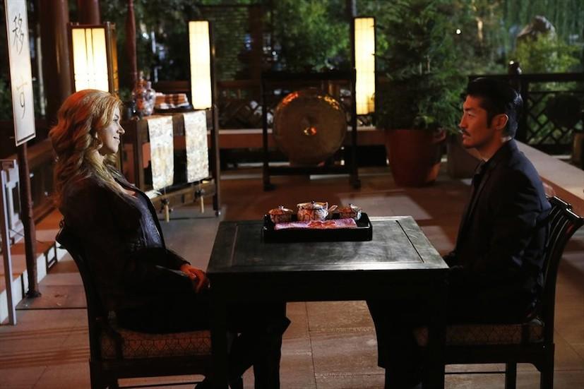 Agents of S.H.I.E.L.D.: Adrianne Palicki e Brian Tee in una scena di A Fractured House