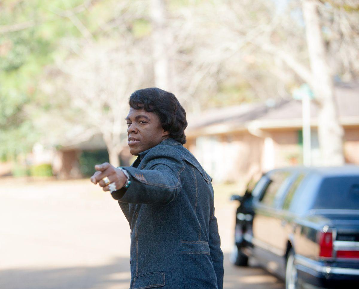 Chadwick Boseman nei panni di James Brown in 'Get on Up'