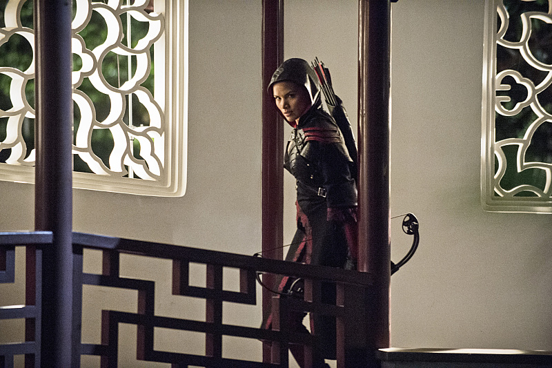 Arrow: Katrina Law in una scena della puntata The Magician
